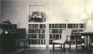 The interior of the 1st public library in Horseheads, NY 1944